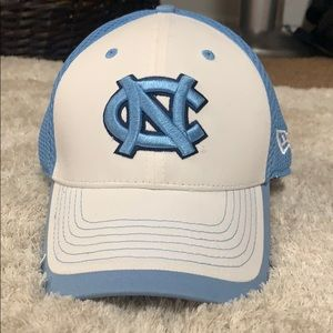 NORTH CAROLINA TAR HEELS FITTED HAT